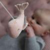 Kép 5/8 - Little Dutch zenélő körforgó natúr fa vázzal tengeri állatos pink