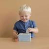 Kép 6/7 - Little Dutch kék fa formabedobó kocka